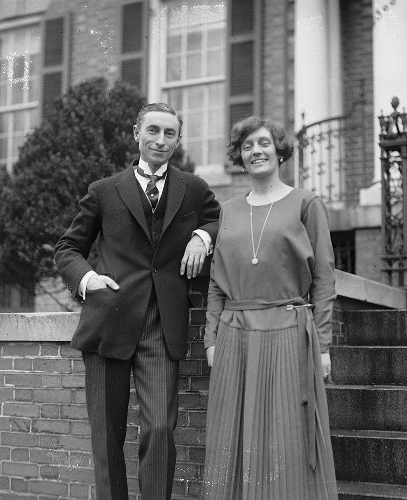 Po wojnie polsko-bolszewickiej Gibson (na zdjęciu wraz z żoną) uważał, że główną cechą Piłsudskiego był jego egotyzm (domena publiczna).