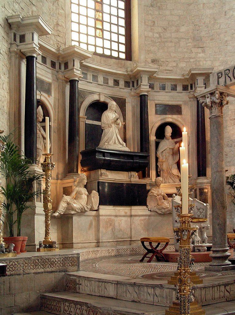 Pomnik nagrobny Bony Sforzy w Bari