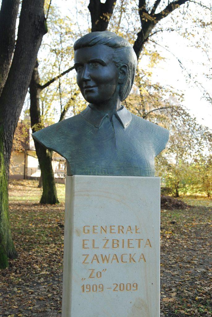 Popiersie generał Elżbiety Zawackiej w krakowskim Parku Jordana (Skabiczewski/CC BY-SA 4.0).