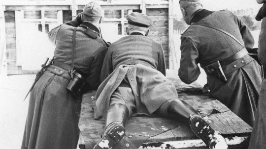 Żołnierze niemieccy podczas zajęć strzeleckich na Rembertowie.