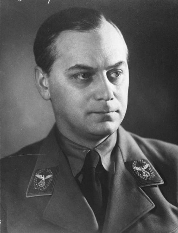 Alfred Rosenberg na zdjęciu z końca lat 30. XX wieku (Bundesarchiv/CC-BY-SA 3.0).