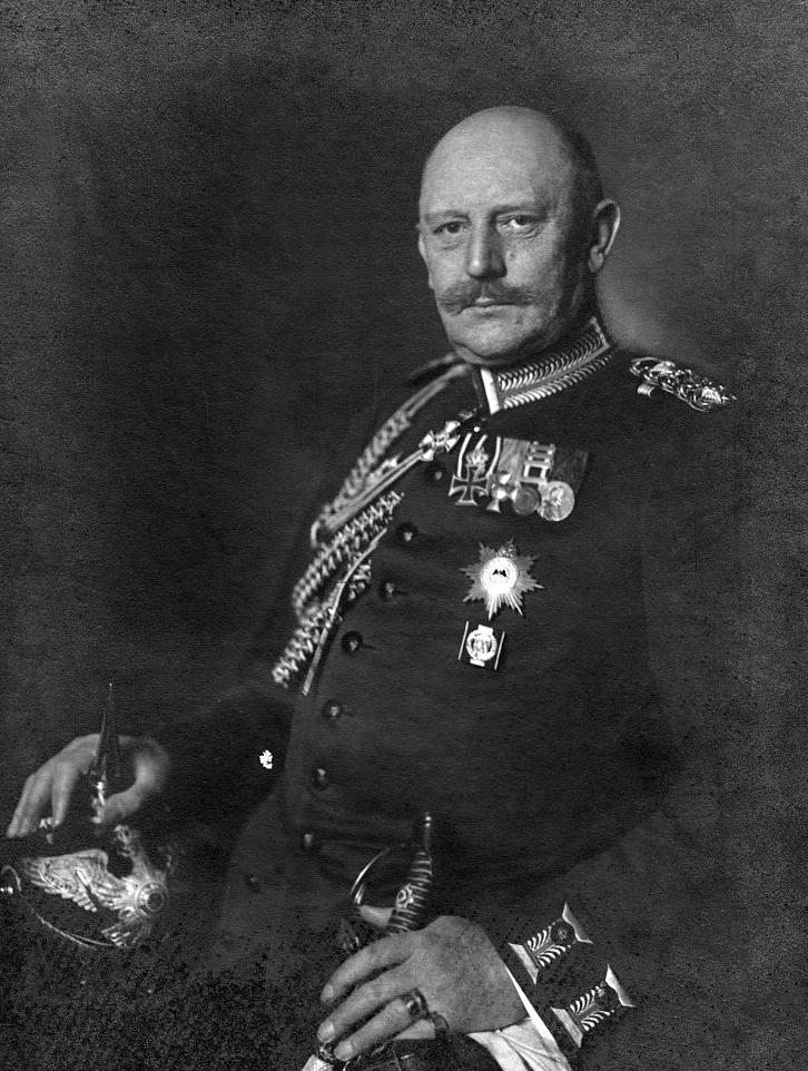 Helmuth von Moltke (młodszy) na zdjęciu z około 1910 roku (Nicola Perscheid/domena publiczna).