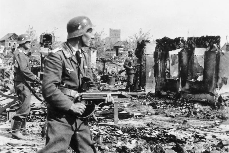 Niemcy w walkach o Stalingrad stracili ponad 300 tysięcy żołnierzy (Bundesarchiv/Rothkopf/CC-BY-SA 3.0).