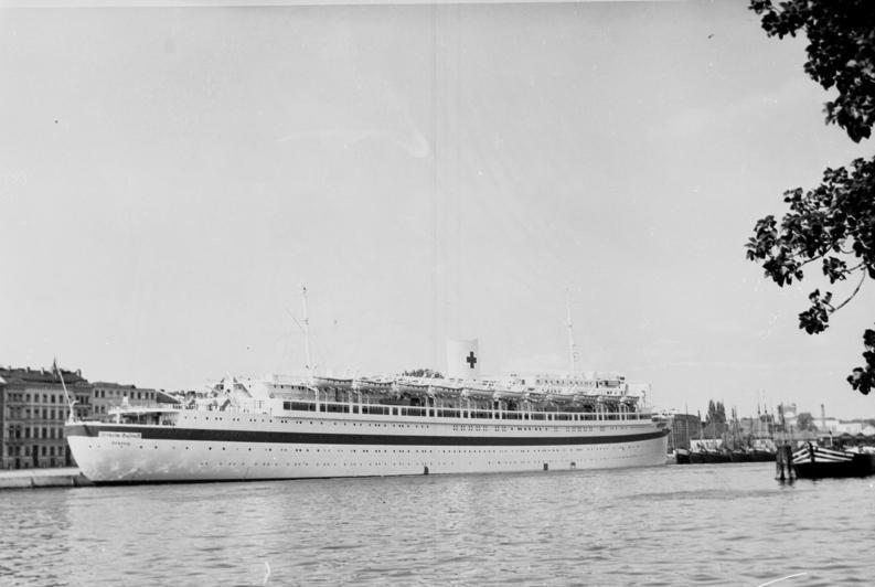 """""""Wilhelm Gustloff"""" jako okręt szpitalny. Zdjęcie z 1939 roku (Bundesarchiv/CC-BY-SA 3.0)."""