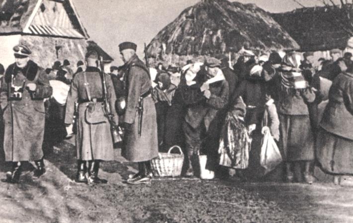 Polscy chłopi wysiedlani w ramach Akcji Zamość.
