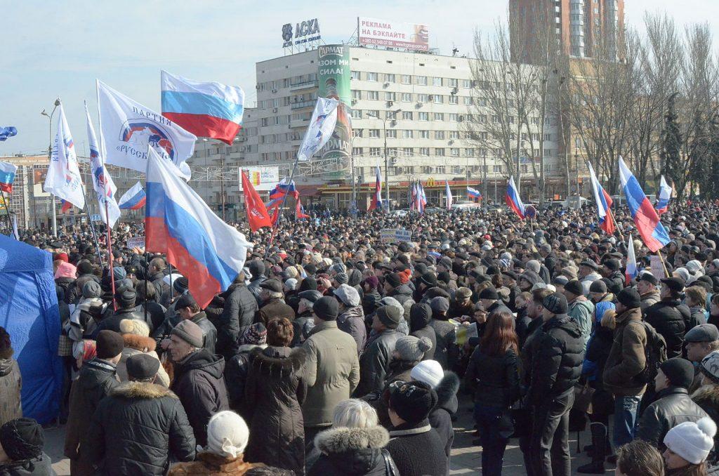 Prorosyjski wiec w Doniecku. 9 marca 2014 roku (Andrew Butko/CC BY-SA 3.0).
